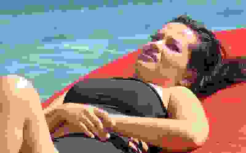 Na piscina do BBB21, Juliette elogia Fiuk: